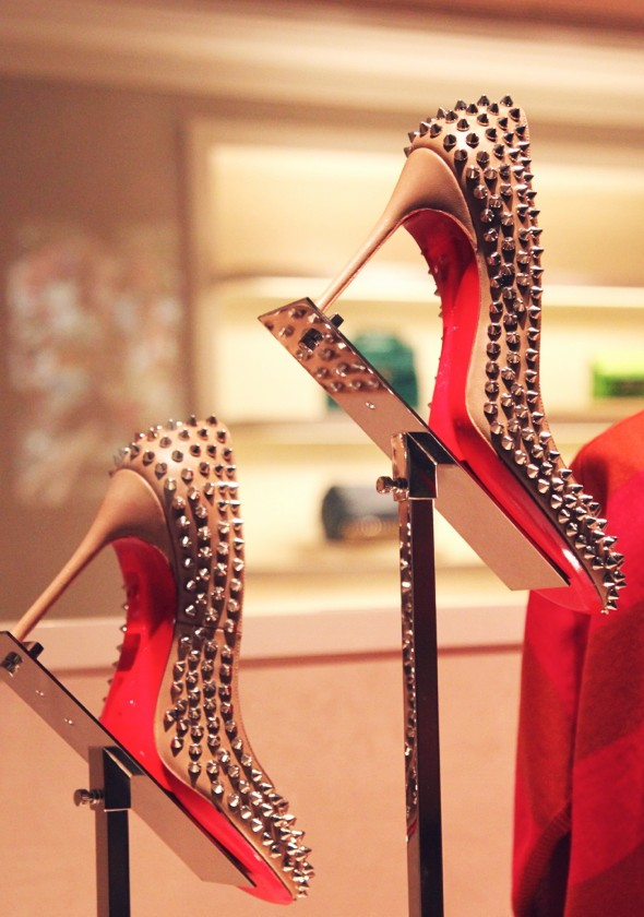 louboutin studded heels studs clous talons chaussures shoes 2013_effected