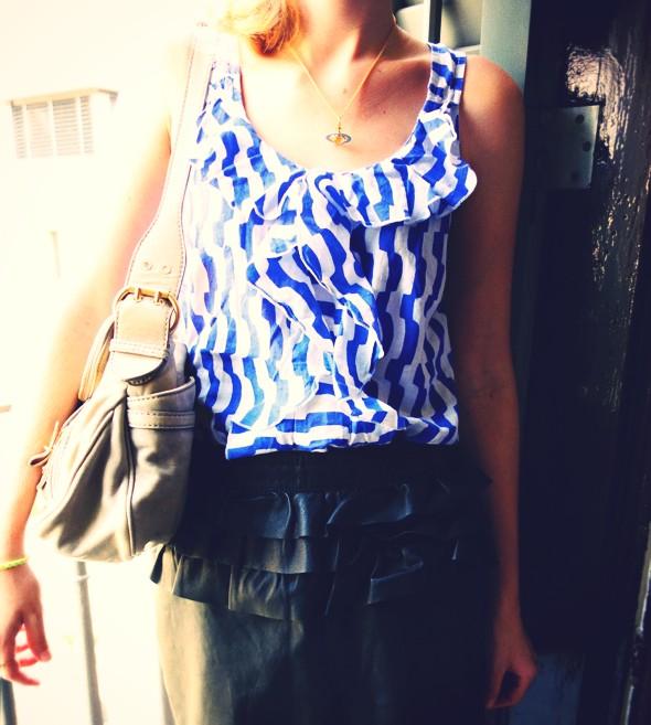_ruffle leather skirt jupe cuir volants h&M topshop haut top anniel ballerines ballerinas blue bleu klein electric_effected