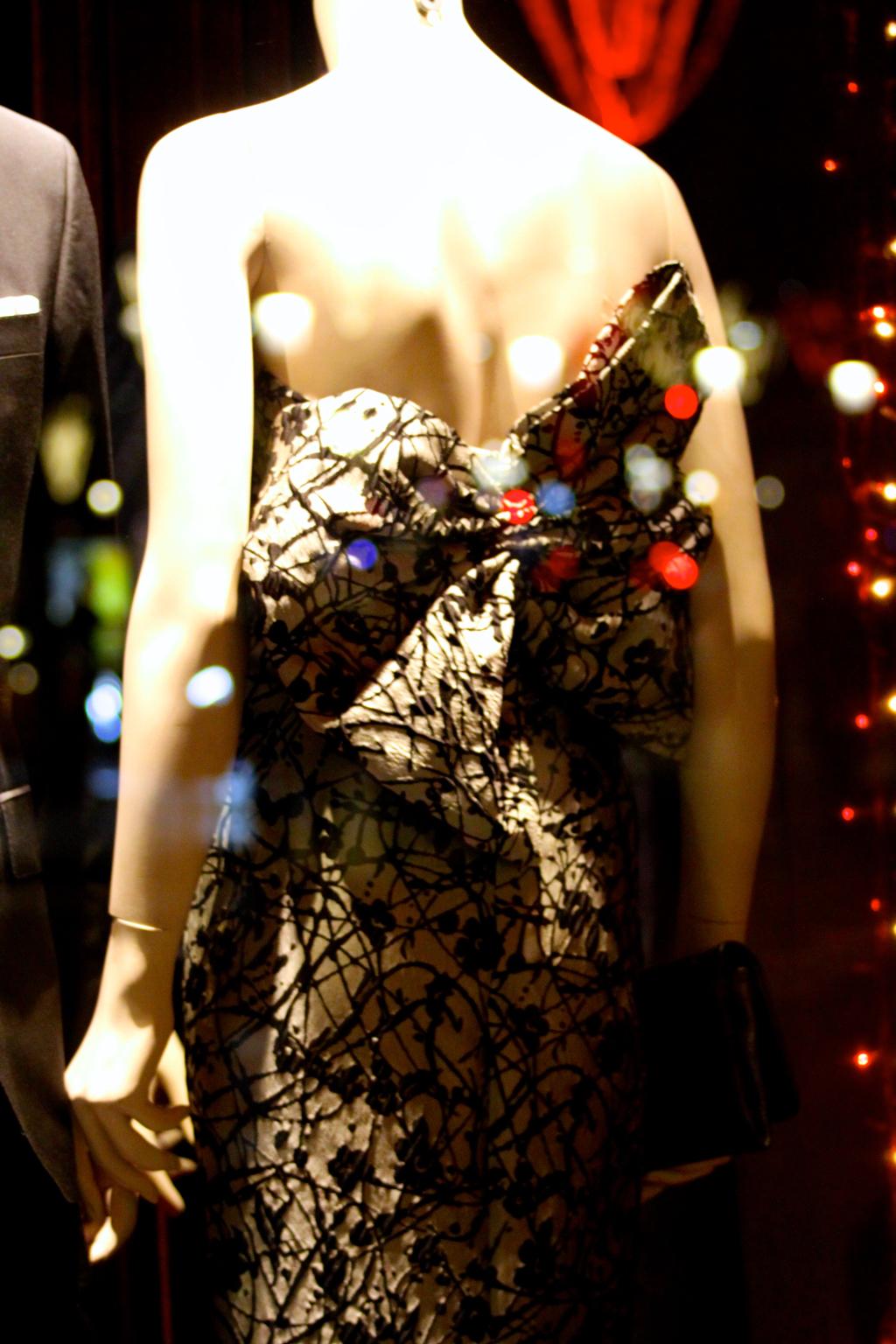 caroline_herrera_fashion_bow_dress_robe_noeud_hiver_noel_christmas_navidad_2015_2016